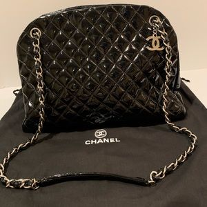 Auth Chanel dome quilted patent medium tote black